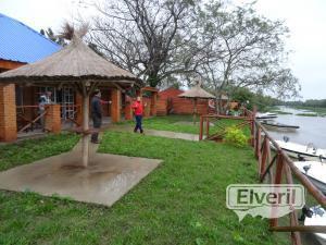 El río junto al Lodge, sent by: Administrador